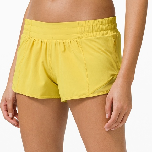 "Lululemon Hotty Hot 2.5"" Shorts - Soleil"